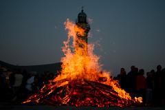 Osterfeuer (tleesch) Tags: deutschland feuer deu rostock leuchtturm mecklenburgvorpommern