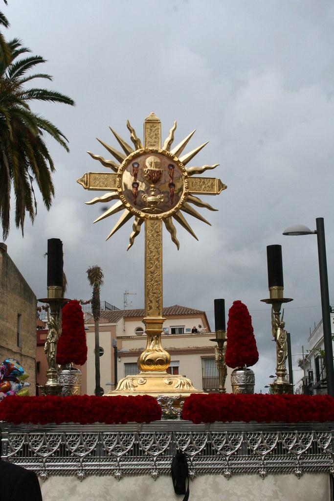 Cruz de las Cinco Llagas. Procesión Magna del Santo Entierro. Sanlúcar de Barrameda, Sábado Santo 2011