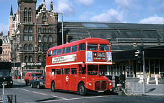 RML2595 at Kings Cross 1982 (David Christie 14) Tags: bus cross kings lt rml