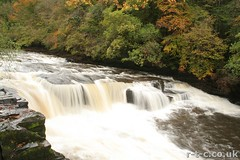 Falls of Clyde - long exposure (Tim R-T-C) Tags: longexposure autumn scotland clyde waterfall scenery newlanark lanarkshire fallsofclyde