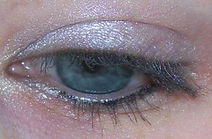 accessorize soft pink eyeshadow