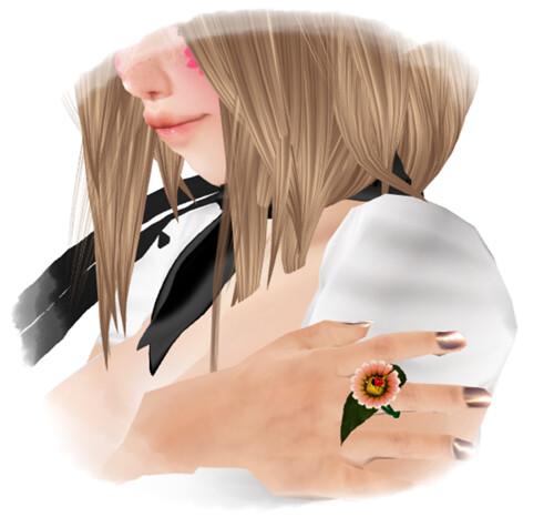 izm.daisy with ladybug ring