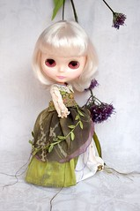"""Forest Fairy"" for Yi Ting (Kikihalb  Forest~Tales ) Tags: thread leaves gold beads leaf outfit handmade lace embroidery silk chiffon progress vanilla ribbon blythe fairies gown mousseline dupioni"