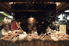Ous de Calaf @ Mercat de la Boqueria (Barcelona) (Milaket) Tags: españa woman chicken vendedor mujer spain market egg catalonia mercado marketplace catalunya seller huevo saleswoman gallina precio precios mygearandme mygearandmebronze ringexcellence