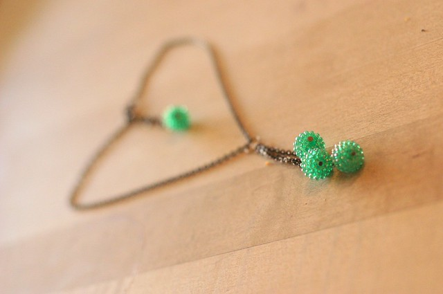 110602_jewelry_greennecklace_