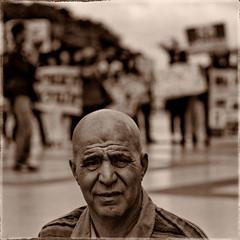 Portrait- Trocadéro (FXGR) Tags: portrait people bw paris square nb trocadero manifestation