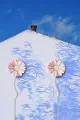 blue sky 20161002_114035 (hans 1960) Tags: blau blue house flower fleur art kunst himmel sky graffity licht light nature natur outdoor germany oktober
