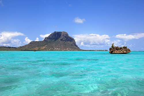 Mauritius - the crystal rock 1