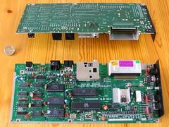 COMMODORE C16 Hauptplatine, Ober- und Unterseite (Computermuseum) Tags: commodore 8bit modell serie 264 c16 cbm homecomputer
