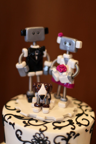 robot pair with robot beagle cake topper.jpg by opacity