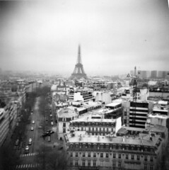 S13/02/11 Top of the Arc De Triomphe, Paris. (kjefferies) Tags: paris lomography topofthearcdetriomphe fdianablackjack