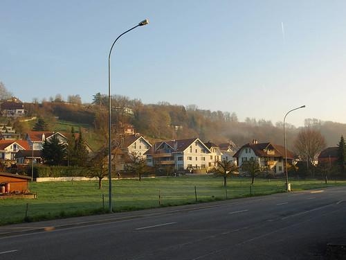 清晨,开着我们精神抖擞的小车离开Safnern,雾茫茫