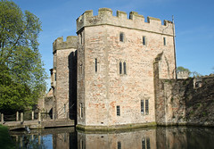 Gatehouse reflections (Mukumbura) Tags: uk blue windows england sky reflection tree tower castle church water chains bath cross cathedral unitedkingdom stonework wells somerset wellscathedral drawbridge residence moat protection bishop defence turrets gatehouse bishopspalace