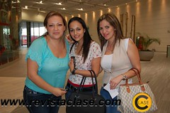 DSC_2879 Tania Reyes, Ingrid de Maciel y Akira Cuéllar.