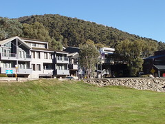 Thredbo, Snowy Mountains, NSW (ally portugal) Tags: snowymountains southnsw heidisteahouse lakejidabyne