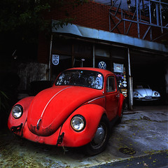 The Vehicles (akira ASKR) Tags: vw volkswagen fuji beetle bronica okinawa  provia provia100f bronicas2 urasoe rdpiii  zenzabronica cmwdred