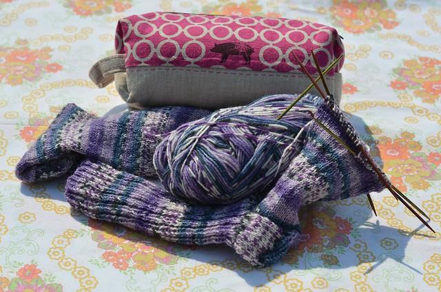 Currently Knitting: socks ('stinos')