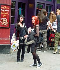 Camden Sunday 7 pm-14 (Julie70 Joyoflife) Tags: london fun unitedkingdom camden sunday londres angleterre sonycybershot 2011 dguisements copyrightjkertesz photojuliekertesz photojulie70
