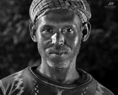 Worries of life .. (Meshari Al-dosari .. ) Tags: portrait bw canon photography eos 7d  farme        meshari   aldosari
