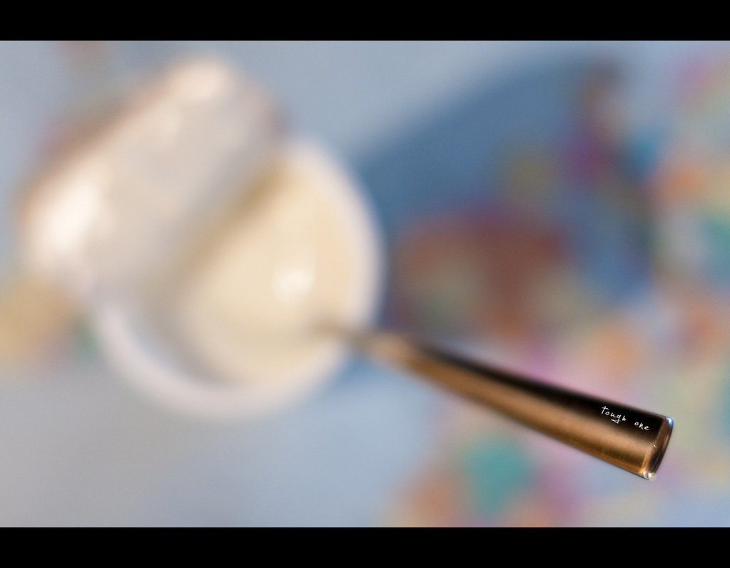 Project 365, 301/365, Day 301, Bokeh, yoghurt, spoon, bokeh, on top of the world, tough one, Sigma 50mm F1.4 EX DG HSM, 50 mm, 50mm