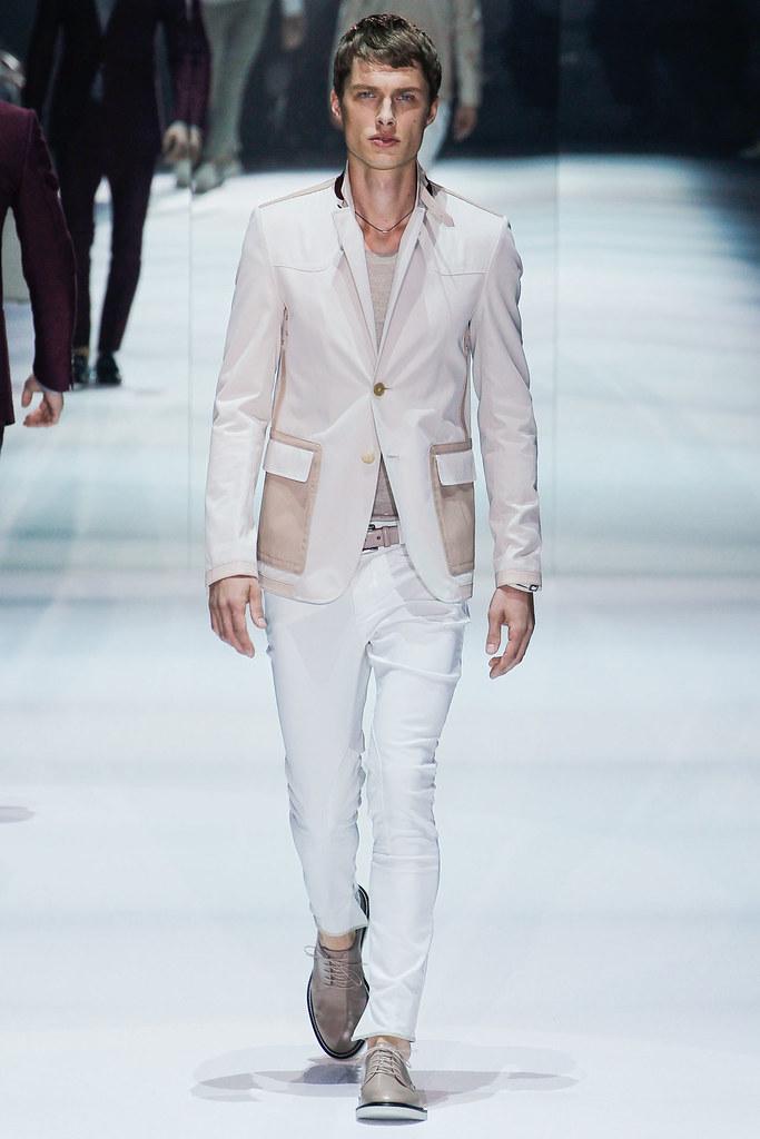SS12 Milan Gucci012_John S.@Place Models(VOGUEcom)