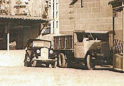 cotxe i Chevrolet del senyor Serra a Ripoll