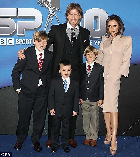 Victoria and David Beckham  Victoria and David Beckham Victoria and David Beckham 4