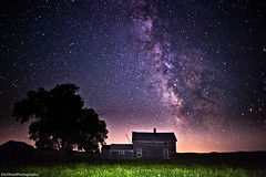 Abandoned Ranch House Milky Way (Eric Hines Photography) Tags: stars landscape galaxy astrophotography ruraldecay milkyway abandonedranchhouse 5dmarkii 24mmf14lii