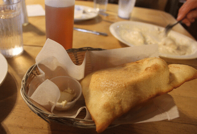 PAM_0128-Taos-Michaels-Kitchen-bakery-sopapillas-and-honey