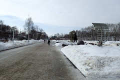 alle artistique (8pl) Tags: trottoir glace neige snow ice perm russie art passants