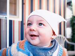 Laughing Lukas (Eva Lauermann) Tags: panasonic gm1 portrait kinder baby kids child children people family smiling leica 15mm