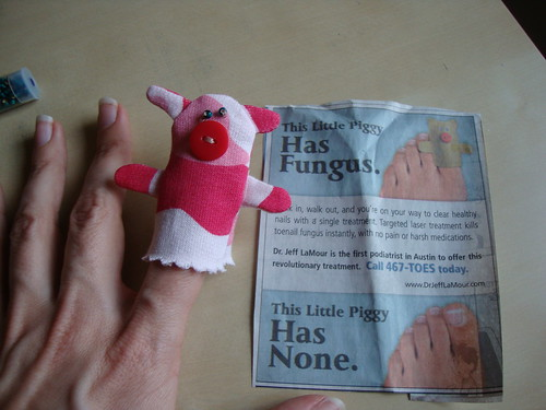 finger puppet pig in action