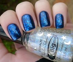 "Indigo Polish da Eyeko + Raio Gama da Big Universo (""GrasiGrasi"" [Clube das Esmaltadas]) Tags: azul indigo eyeko flocado biguniverso raiogama"