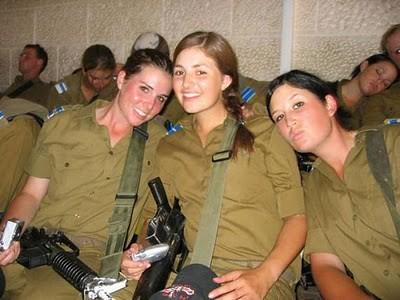 Military_Women_21