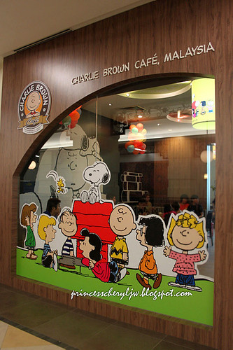 Charlie Brown Cafe 04