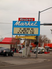 Kesler's Market (Phydeaux460) Tags: old signs sign vintage neon tubes supermarket idaho signage glowing blackfootidaho olympuse30