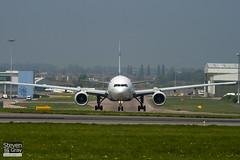 4X-ECF - 36084 - El Al Israel Airlines - Boeing 777-258ER - Luton - 110420 - Steven Gray - IMG_4423