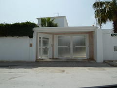 Porte extrieure en fer forg  la cit El Ghazala Tunis (Citizen59) Tags: door iron tunisia tunis porte fe avril entry tunisie external fer entre wrought portes 2011 extrieure entres forg rforg