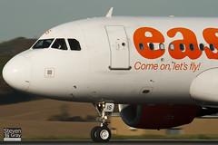 G-EZIS - 2528 - Easyjet - Airbus A319-111 - Luton - 101025 - Steven Gray - IMG_4173