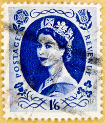 stamp predecimal wilding 1'6 Shilling 1,6 1.6 / 1 Shilling 6 Pence blue queen QEII elisabeth royal pence penny elizabeth england uk great britain united kingdom postage revenue porto timbre bollo sello marke briefmarke Windsor stamp mapka (stampolina) Tags: uk greatbritain blue portrait england 6 azul postes 1 blauw unitedkingdom blu stamps retrato royal queen stamp porto windsor crown blau portret timbre azzurro  niebieski mavi commonwealth postage franco qeii  biru bleue queenelizabeth selo bolli bl queenelisabeth  sello wilding grossbritannien  briefmarken  markas      francobollo kk frimrker portr timbreposte francobolli
