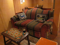 470-upstairs at cafe racer (bballchico) Tags: seattle music beer table jazz sofa bands nascar pint porter cushions caferacer theracersessions