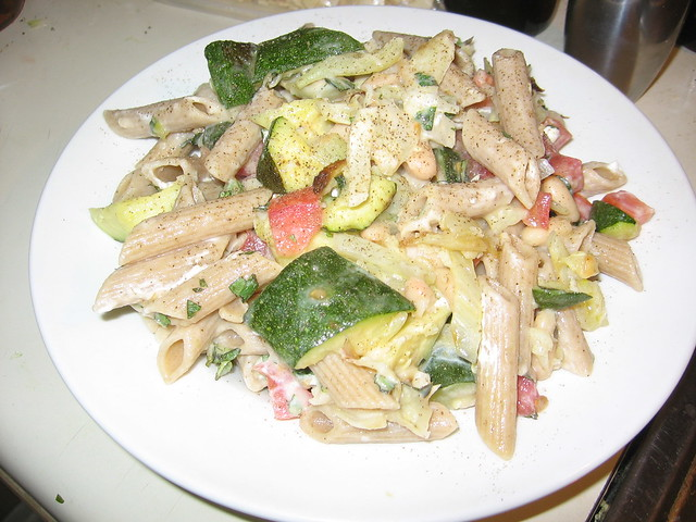 Zucchini, fennel and white bean pasta