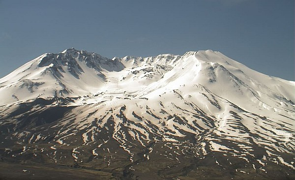 volcanocam image of Mount Saint Helens against a clear blue sky