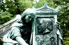 Leon Philippe Beclard div. 4 (Steven Soper) Tags: sculpture cemeteries paris france cemetery medallion pere lachaise cimetiere