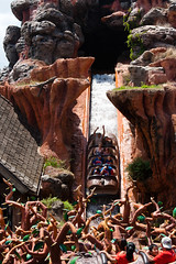 CN048 Log Flume (listentoreason) Tags: usa america canon unitedstates florida favorites places disneyworld waltdisneyworld themepark magickingdom frontierland waltdisneyworldresort ef28135mmf3556isusm score25