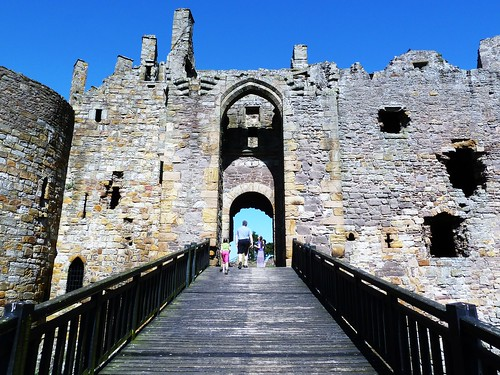 Entrance to Dirleton Castle
