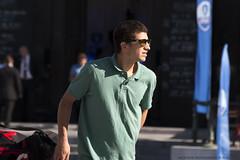 Man in Green (Rick & Bart) Tags: rickvink rickbart canon eos70d brussel bruxelles kunstberg montdesarts everydaypeople strangers streetphotography candid personnes people urbanlife city citylife guy man sunglasses