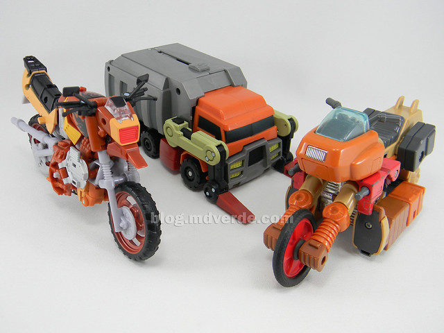 Transformers Wreck-Gar Reveal the Shield Deluxe - modo alterno vs G1 vs Animated