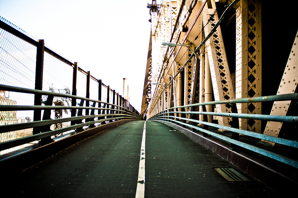 Photographs at the Queensborough Bridge taken by Jorge Quinteros