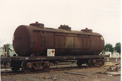 VTQF 301 G Horsham 12/1993 (booksvic) Tags: tank railway vr wagons vline
